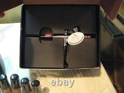 LUMINESS Airbrush System & Makeup Bottles & Primer 8 Bottles BRAND NEW PC-200R