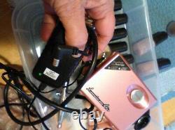 Système Luminess Airbrush Utilisé Rose Avec Beaucoup De Bouteilles Utilisé Un Fard À Joues Pas Ouvrir